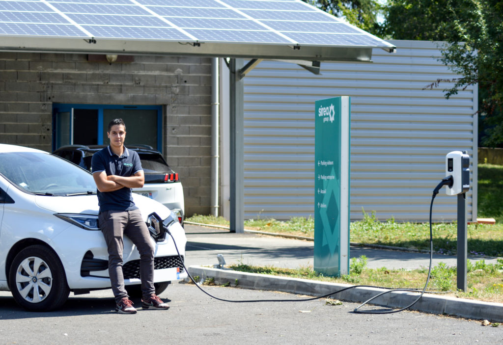 Sirea recharges its electric vehicles with solar energy
