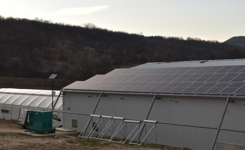 Installation photovoltaïque de la bioferme du projet Versol à Lyk (Bulgarie)